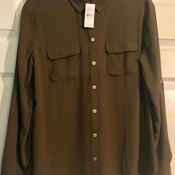 LOFT Tops - LOFT converter sleeve shirt.